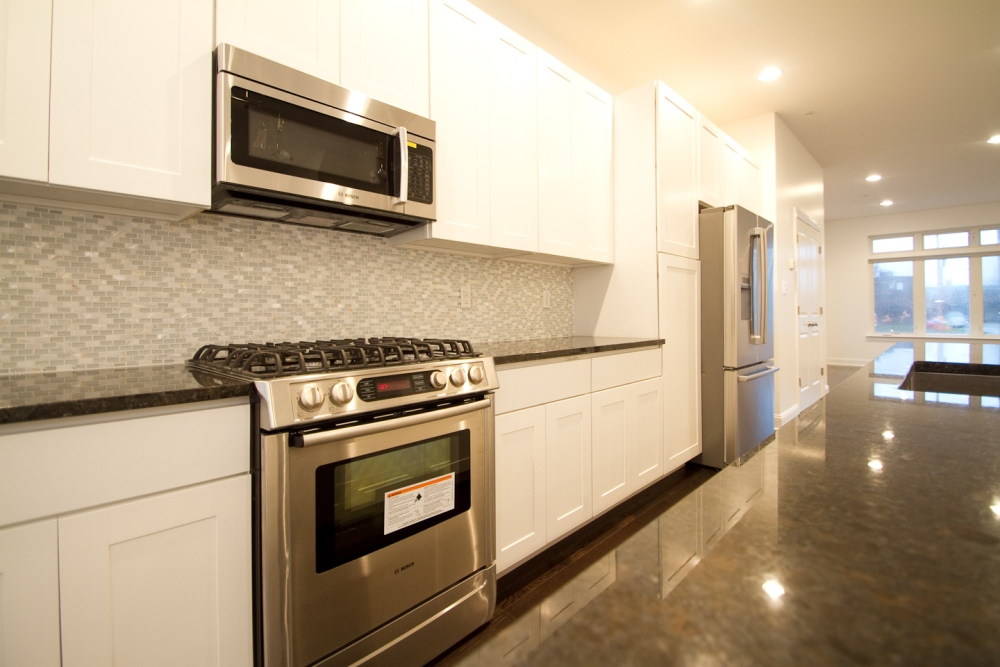 Geary Estates Amazing Kitchens! Simply Stunning 1900-1918 Geary Street, Packer Park (2/4)